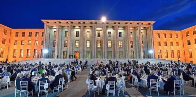 Kahraman'ın iftar davetinde 'yeni bina' detayı