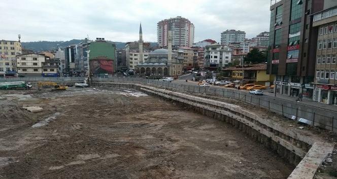 Rize'de otopark inşaatı yeniden başlıyor
