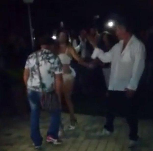 Albenili dansçıyla dans eden adama benzer tokadı