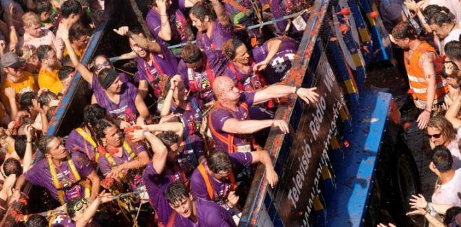 Domates Festivali bu sene da renkli görüntülere sahne oldu