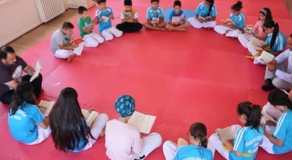 Önce kitap daha sonra antrenman