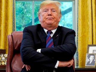 Trump federal çalışanlarının zammını iptal etti
