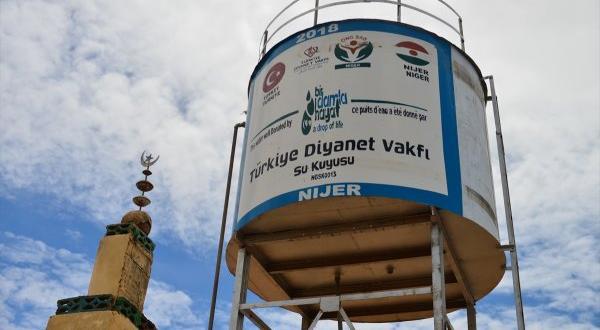 Türkiye'den Nijer'e 10 bölgede su kuyusu