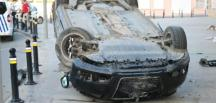 Üsküdar 'da otomobil takla attı: 2 zarar görmüş