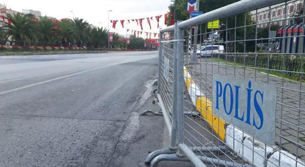 Vatan Caddesi trafiğe kapatıldı