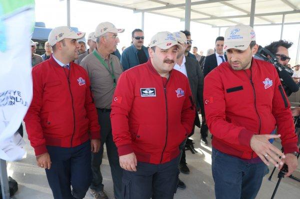 Bakan Varank, roket yarışlarını izledi