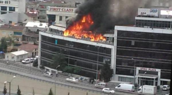 İkitelli'de plazada yangın çıktı