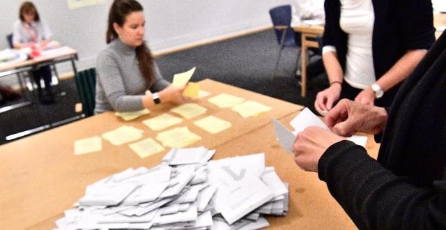 İsveç'te Fazla Sağcı İktidar Partisi Seçimleri Önde Götürüyor