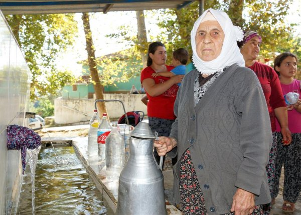 İzmirlilerin susuzluk sorununa eşekli çözümü