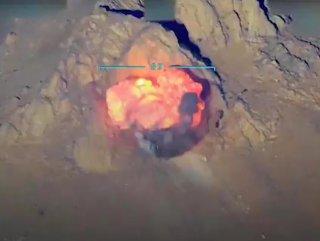 PKK'lı teröristlerin barınaklarının imha anı VİDEO