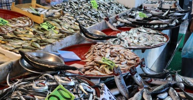 Rize de Tezgahlarda Balık Bolluğu