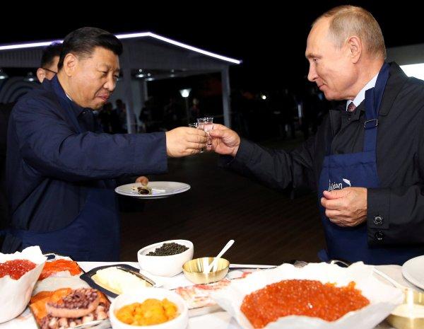 Rusya ve Çin ticarette doları bırakıyor