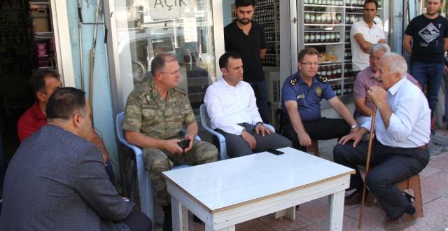 Şemdinli 34'üncü Sınır Tugay Komutanı Tuğgeneral Kılıç Esnafı Ziyaret Etti