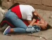 Liseli kızların sokak ortasındaki kavgası dehşete düşürdü