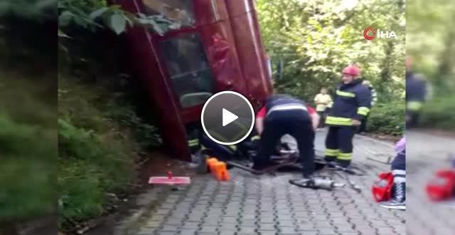 Rize de Minibüs Takla Attı: 2 Yaralı
