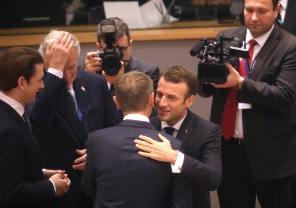 AB Fransa'daki olaylara sessiz kaldı