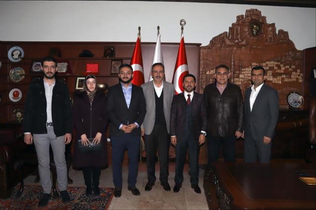 AK Parti Belediye Başkan Adayı Arı, Nevşehir Belediye Başkanı Seçen'i Ziyaret Etti