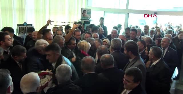 AK Parti'nin Kayseri Belediye Başkanı Adayına Havaalanında Coşkulu Karşılama