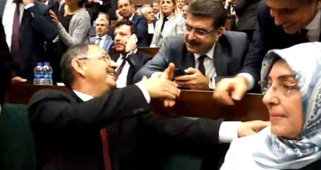Ankara İçin İsmi Geçen Mehmet Özhaseki ve İzmir İçin Konuşulan Nihayet Zeybekçi Tebrikleri Kabul Etti
