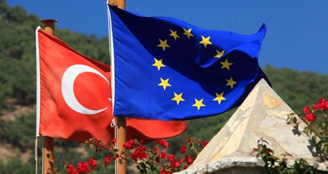 Dışişleri Bakanı Mevlüt Çavuşoğlu: Vize Serbestisi İçin 6 Kriter Kaldı