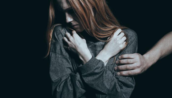 Duygusal baskı nedir? Psikolojik zorlama nasıl olur?