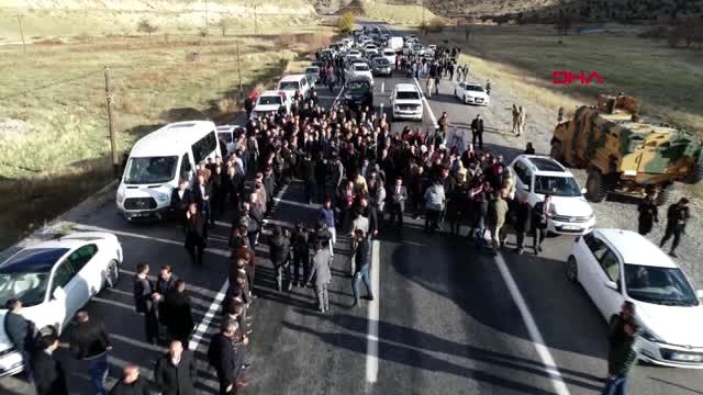 Hakkari AK Parti'nin Hakkari Adayı Epcim'e 300 Araçlık Konvoyla Karşılama