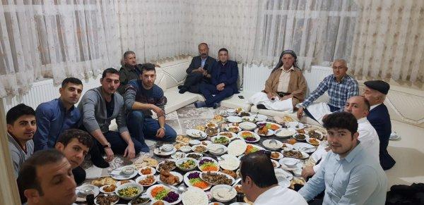 Hakkari 'de aşiret usulü öğretmenler günü
