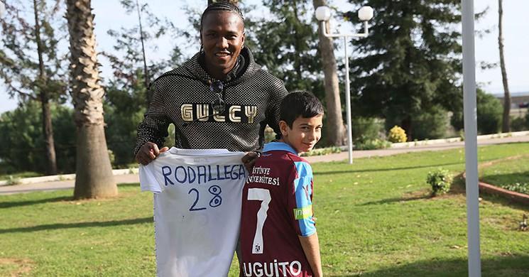 Hugo Rodallega, Küçük Hayranıyla Buluştu!