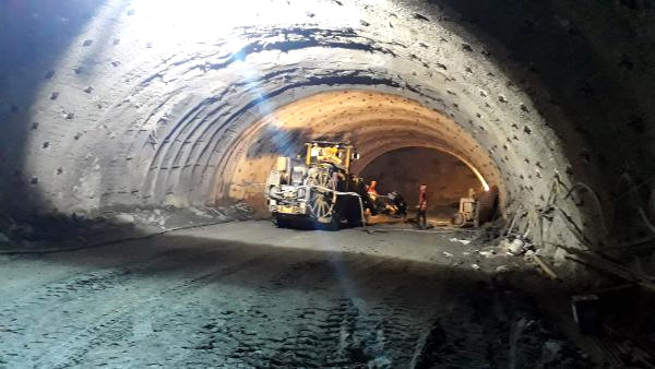 68 Takvim Hayal Gerçek Oluyor! Salarha Tüneli'nde Sona Gelindi
