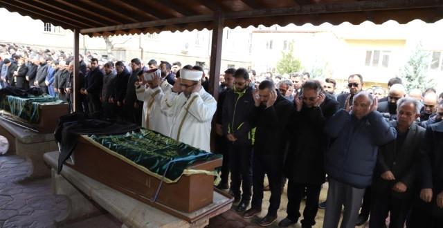 AK Parti Milletvekili Yücel Menekşe'nin Babası Son Yolculuğuna Uğurlandı