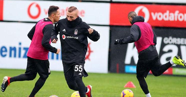 Beşiktaş 'ta Alanya Maçı Kadrosu Belirlendi! 5 Oyuncu Kadroda Değil