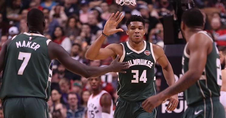 Ersan 'lı Milwaukee, Raptors 'ı Deplasmanda Yıktı!