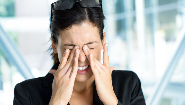 Göz kazalarında ovmak niçin zararlıdır? Göze yabancı vücut kaçtığında ne yapmalıyız?