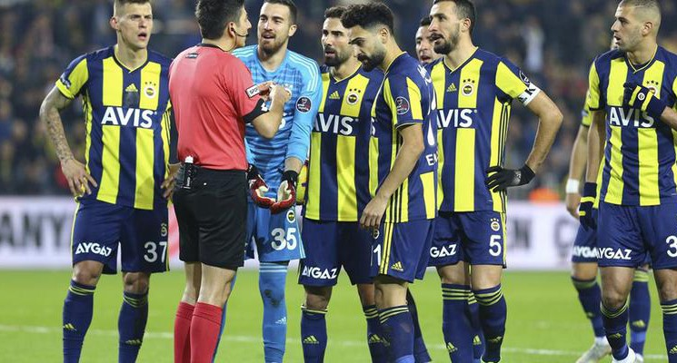 Kasımpaşa Fenerbahçe Maçında Anlaşmazlığa Neden Olan Karar