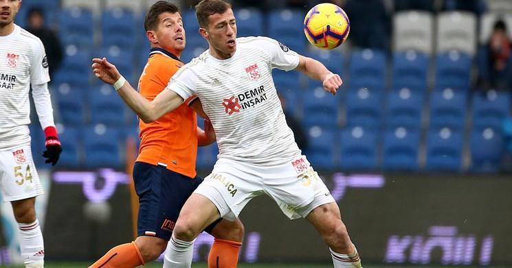 Medipol Başakşehir, Sahasında Sivasspor'a 1-0 Mağlup Oldu!
