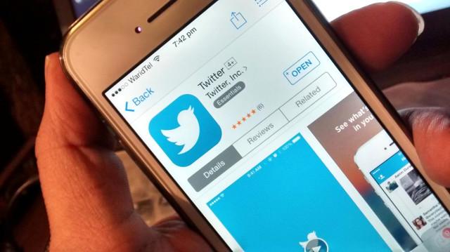 Samsung Türkiye QLED TV'nin Tanıtımını Yapmak İçin iPhone'dan Tweet Attı