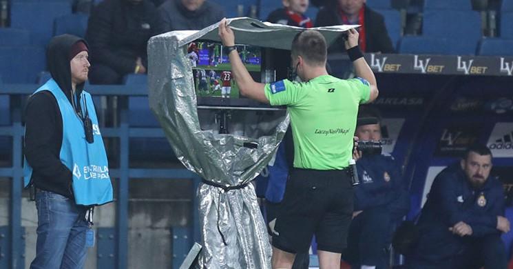 UEFA 'dan Izah Etme! Şampiyonlar Ligi 'nde de 'VAR '