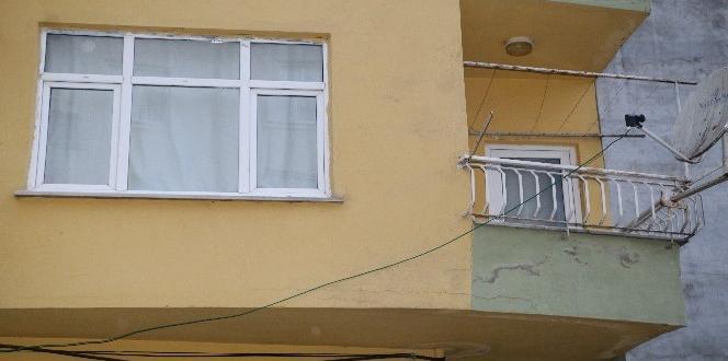 Rize'de duvarları çatlamaya başlayan 8 katlı yapı terhis edildi